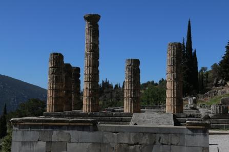 Temple of Zeus where Delphi appeared